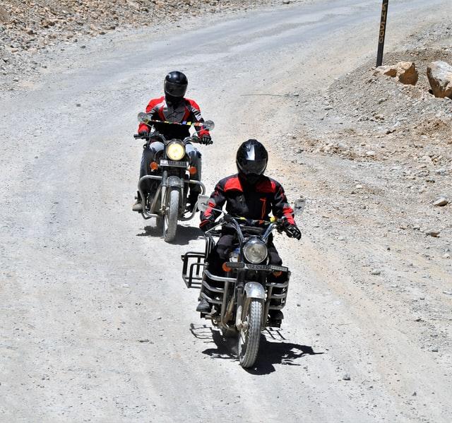 nomad-bikers-VkreH2PIpOM-unsplash (1)